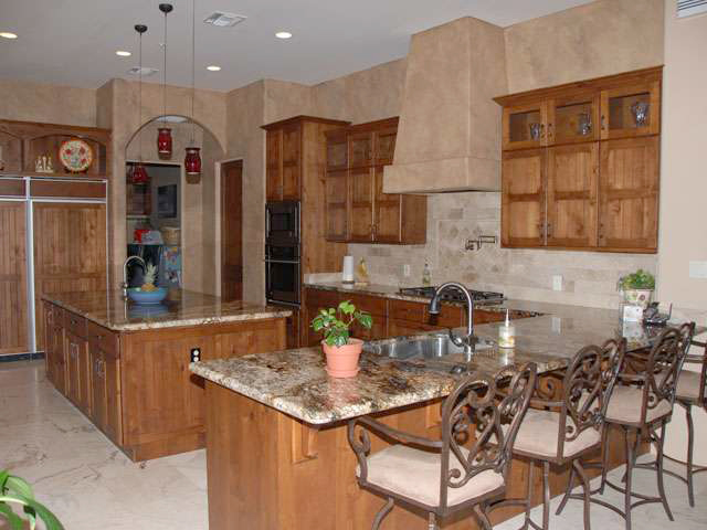 Lara Custom Cabinets - Custom Residential Kitchen