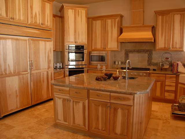 Lara Custom Cabinets - Residental Custom Kitchen